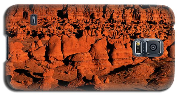 Sunset Light Turns The Hoodoos Blood Red In Goblin Valley State Park Utah Galaxy S5 Case