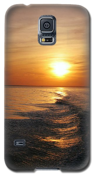 Galaxy S5 Case featuring the photograph Sunset On Long Island Sound by Karen Silvestri