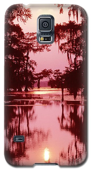 Galaxy S5 Case featuring the photograph Sunset On The Bayou Atchafalaya Basin Louisiana by Dave Welling