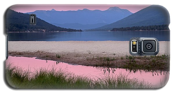 Galaxy S5 Case featuring the photograph Sunset On The Beach by Peggy Collins