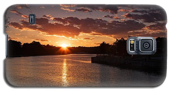 Galaxy S5 Case featuring the photograph Sunset On The River by Dave Files