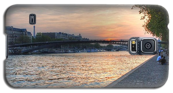 Galaxy S5 Case featuring the photograph Sunset On The Seine by Jennifer Ancker