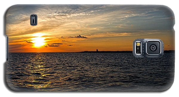 Galaxy S5 Case featuring the photograph Sunset On The Water In Provincetown by Eleanor Abramson