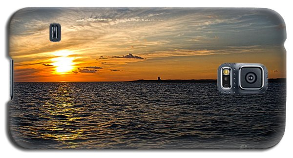 Sunset On The Water In Provincetown Galaxy S5 Case by Eleanor Abramson