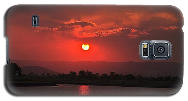 Sunset Over Hope Island Galaxy S5 Case by Blair Stuart