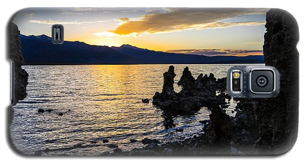 Sunset Over Mono Lake Galaxy S5 Case