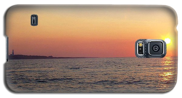 Sunset Over Montauk Galaxy S5 Case by John Telfer