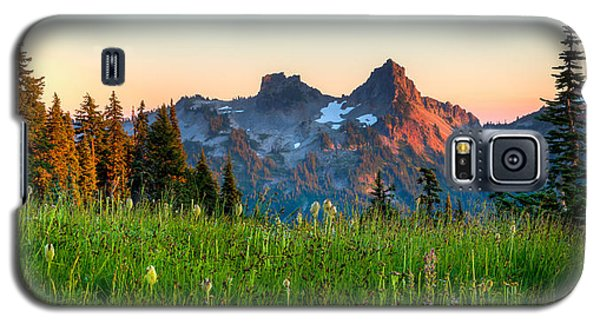 Sunset Over Tatoosh Galaxy S5 Case