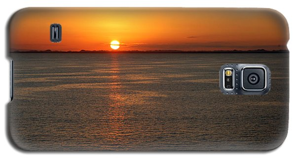 Galaxy S5 Case featuring the photograph Sunset Over Water by Allen Carroll