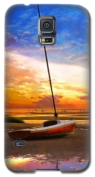 Galaxy S5 Case featuring the photograph Sunset Sail by Tammy Wetzel