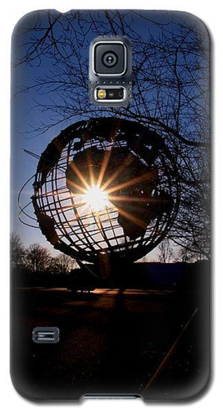 Sunset Through The Unisphere Galaxy S5 Case