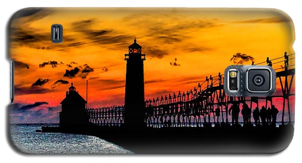 Sunset Walking On Grand Haven Pier Galaxy S5 Case