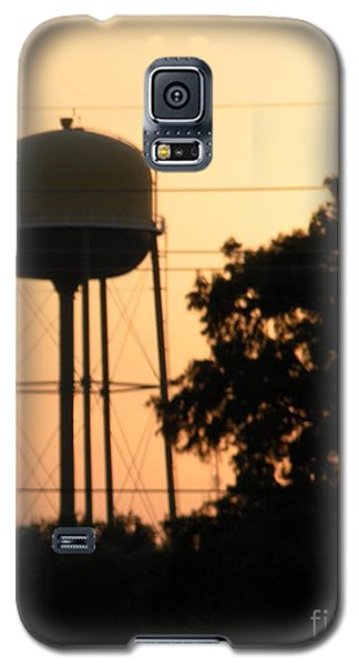 Galaxy S5 Case featuring the photograph Sunset Water Tower by Joseph Baril