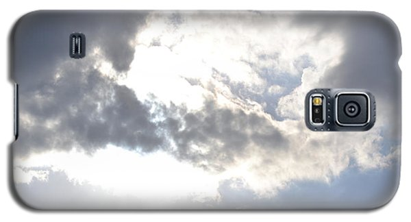Galaxy S5 Case featuring the photograph Sunshine Through The Clouds by Tara Potts