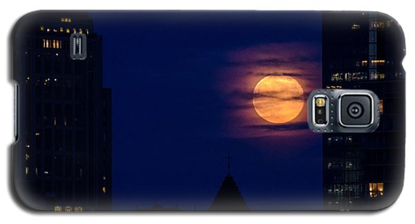 Galaxy S5 Case featuring the photograph Super Moon Rises by Mike Ste Marie