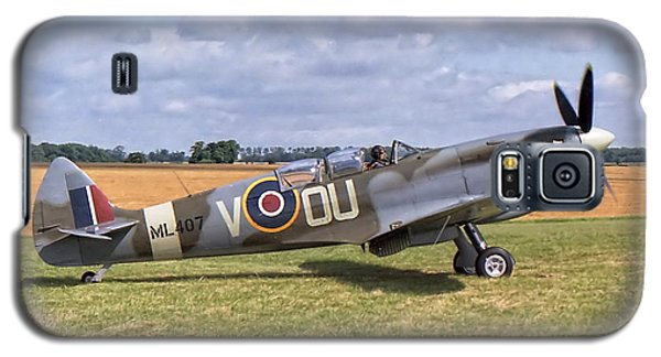 Galaxy S5 Case featuring the photograph Supermarine Spitfire T9 by Paul Gulliver