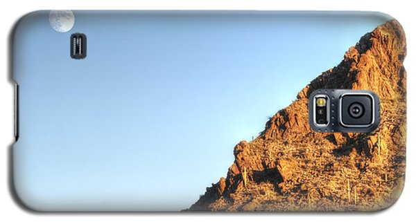 Galaxy S5 Case featuring the photograph Superstition Mountain by Lynn Geoffroy