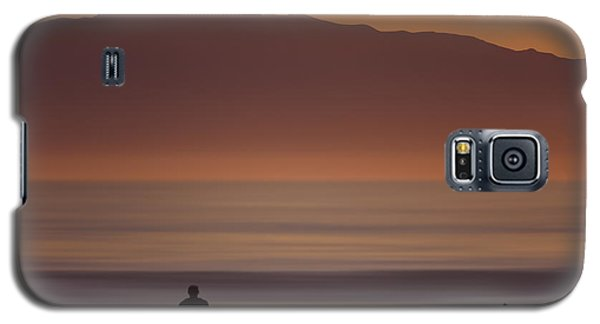Galaxy S5 Case featuring the photograph Surfer Approaching Rincon Mg_9505 by David Orias