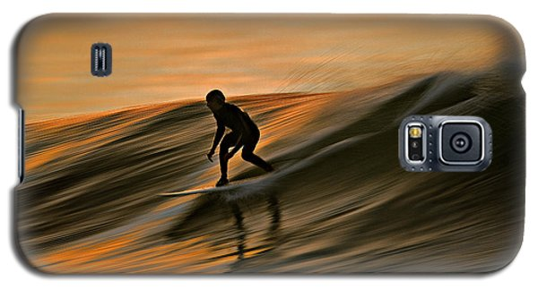 Galaxy S5 Case featuring the photograph Surfing Liquid Copper C6j2144 by David Orias