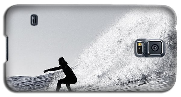 Surfing The Avalanche Galaxy S5 Case by Paul Topp