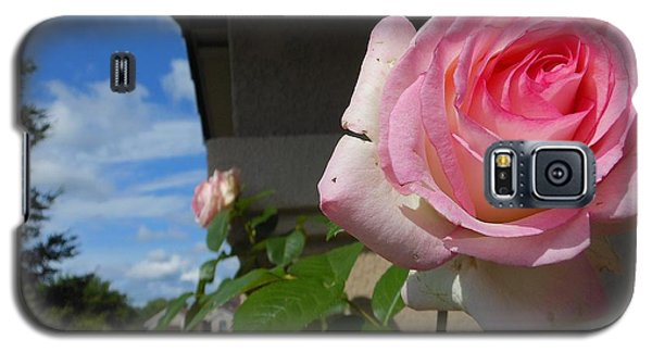 Surreal Rose Galaxy S5 Case