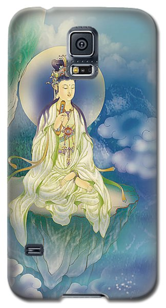 Sutra-holding Kuan Yin Galaxy S5 Case by Lanjee Chee