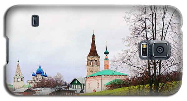 Galaxy S5 Case featuring the photograph Suzdal by Julia Ivanovna Willhite