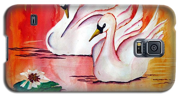 Swans In Love Galaxy S5 Case by Lil Taylor