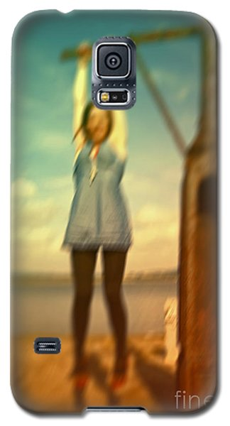 Galaxy S5 Case featuring the photograph Swinging From Lampost  by Craig B