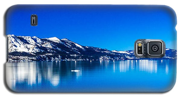 Galaxy S5 Case featuring the photograph Tahoe Reflection by Mike Lee