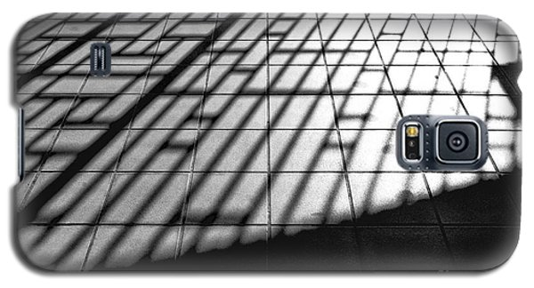 Galaxy S5 Case featuring the photograph Taipei Railway Station by Dean Harte