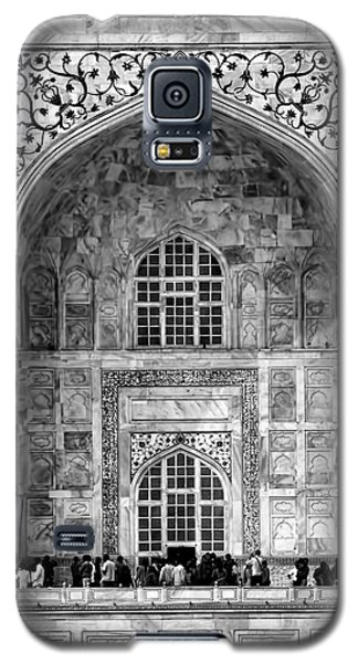 Taj Mahal Close Up In Black And White Galaxy S5 Case by Amanda Stadther