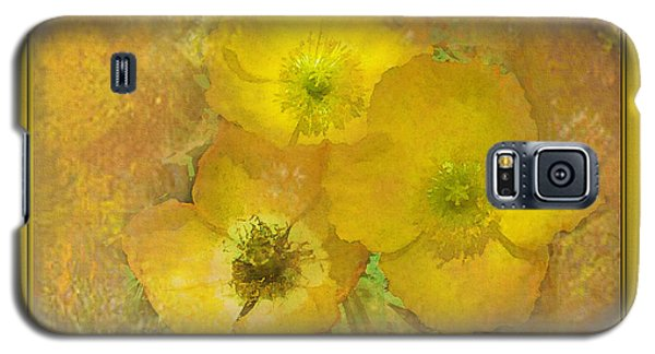 Galaxy S5 Case featuring the photograph Taking A Peek by Barbara R MacPhail