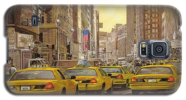City Scenes Galaxy S5 Case - taxi a New York by Guido Borelli