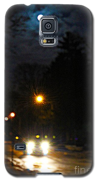 Galaxy S5 Case featuring the photograph Taxi In Full Moon by Nina Silver