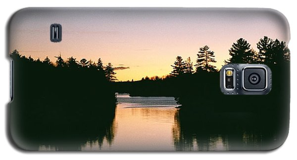 Galaxy S5 Case featuring the photograph Tea Lake Sunset by David Porteus
