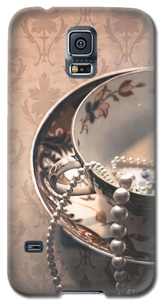 Teacup And Pearls Galaxy S5 Case
