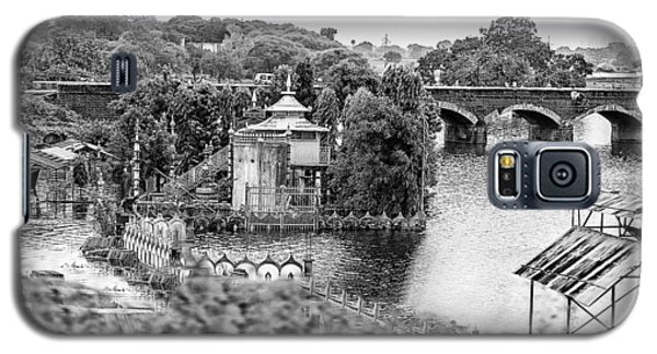 Temple By The River Galaxy S5 Case by John Hoey