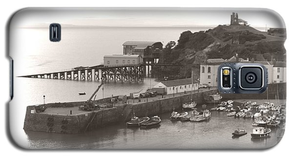 Tenby Harbour And Castle Hill Vignette Galaxy S5 Case