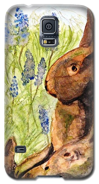 Galaxy S5 Case featuring the painting Terra Cotta Bunny Family by Angela Davies