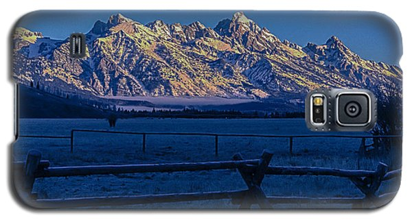 Galaxy S5 Case featuring the photograph Teton First Light by Yeates Photography