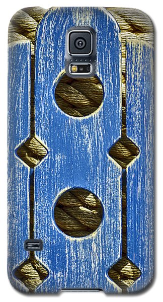 Galaxy S5 Case featuring the photograph Texture On Texture by Gary Slawsky