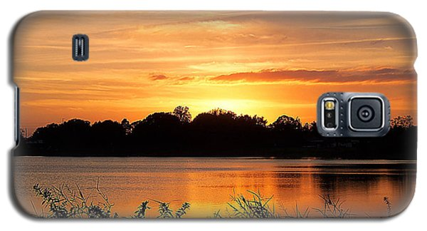 Galaxy S5 Case featuring the photograph Thanksgiving Evening by Chris Mercer