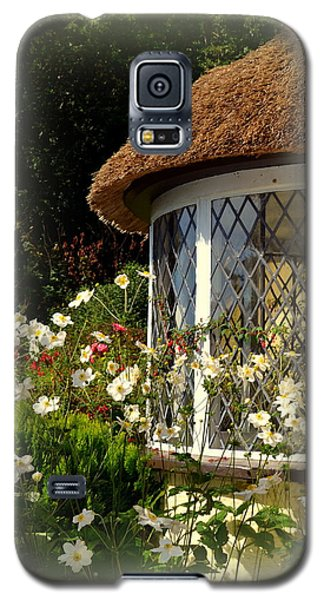Thatched Cottage Window Galaxy S5 Case by Carla Parris