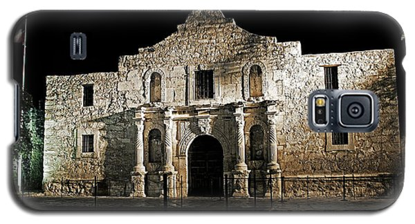 Galaxy S5 Case featuring the photograph The Alamo by Andy Crawford