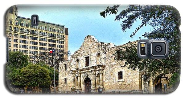 Galaxy S5 Case featuring the photograph The Alamo by Ricardo J Ruiz de Porras