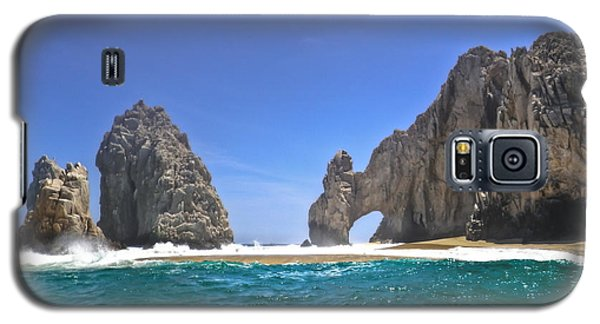 Galaxy S5 Case featuring the photograph The Arch  Cabo San Lucas On A Low Tide by Eti Reid