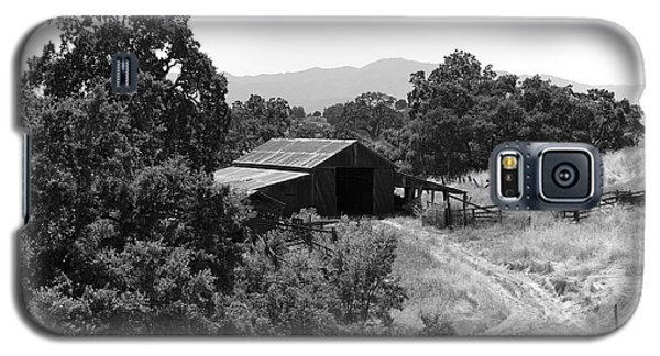 The Barn Galaxy S5 Case by Richard J Cassato