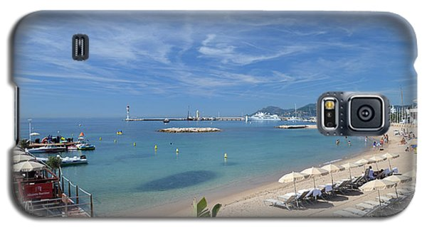 Galaxy S5 Case featuring the photograph The Beach At Cannes by Allen Sheffield