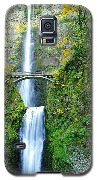 The Beauty Of Multnomah Falls Galaxy S5 Case by Jeff Swan